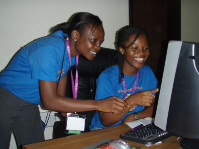 Anita and Gloria from Ashesi University College at work at the eLA 2008