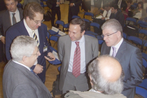 Andreas Lykourentzos, Greek Deputy Minister of National Education (right) discusses with Prof Kostas Tsolakidis, University of the Aegean, Sofoklis Sotiriou, Ellinogermaniki Agogi and Dr Dimitrios Katsigiannis, Hellenic Aerospace Industry