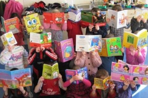 Feakle pupils enjoying Bookweek 2010